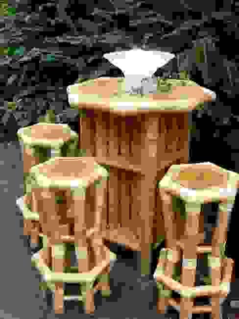 Bamboe bartafel met barkrukken van Bamboe design Tropisch