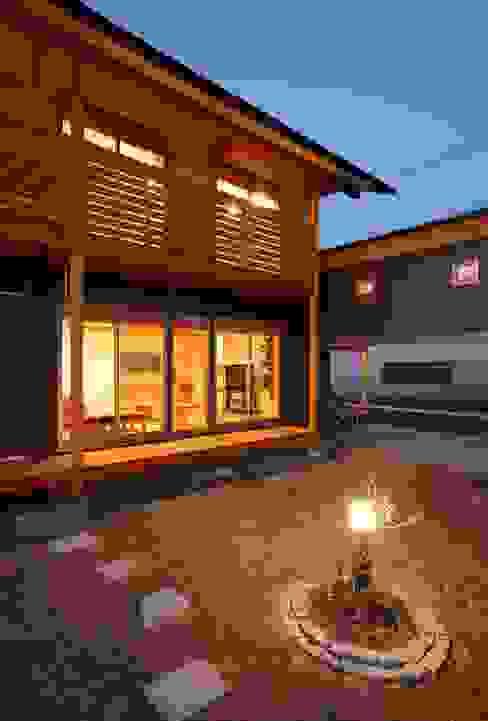外観 アジア風 庭 の 三宅和彦/ミヤケ設計事務所 和風
