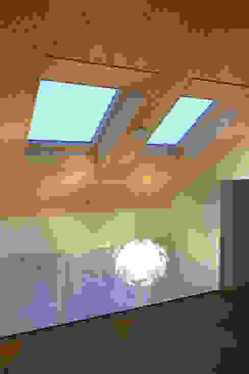 Galerie Moderner Flur, Diele & Treppenhaus von wohlgemuth & pafumi | architekten ag Modern
