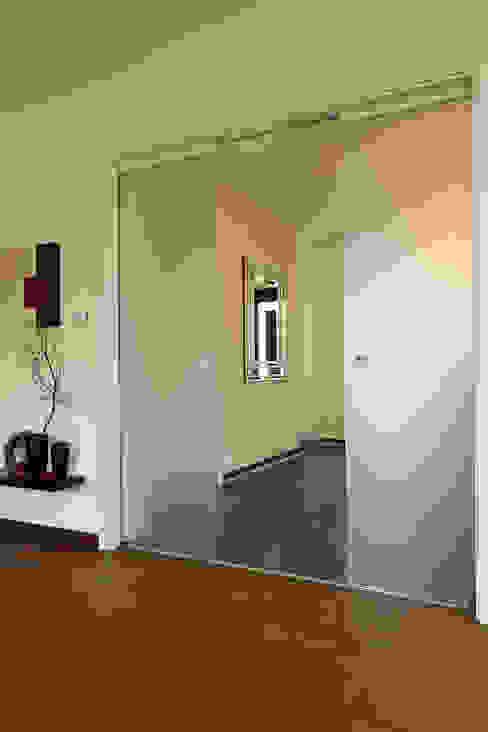 أبواب زجاجية تنفيذ FingerHaus GmbH - Bauunternehmen in Frankenberg (Eder), حداثي