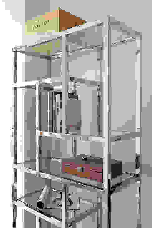 Kawalerka 38m: styl , w kategorii Salon zaprojektowany przez BBHome Design,Nowoczesny