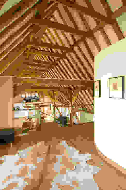 Denne Manor Barn Modern Corridor, Hallway and Staircase by Lee Evans Partnership Modern