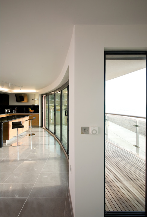 Beaufort Mansions Minimalist balcony, veranda & terrace by Lee Evans Partnership Minimalist