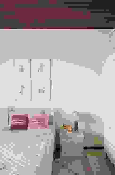 Спальная комната  в . Автор – Liliana Zenaro Interiores,