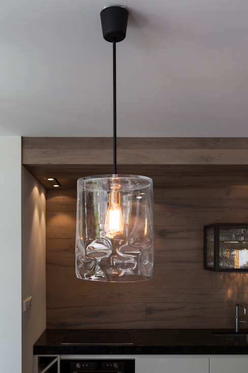 Hanglamp Glas ( Dirk Neefs ): modern  door Medie Interieurarchitectuur, Modern