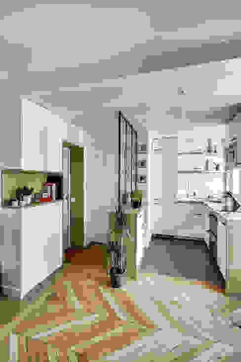 Scandinavian style corridor, hallway& stairs by bypierrepetit Scandinavian