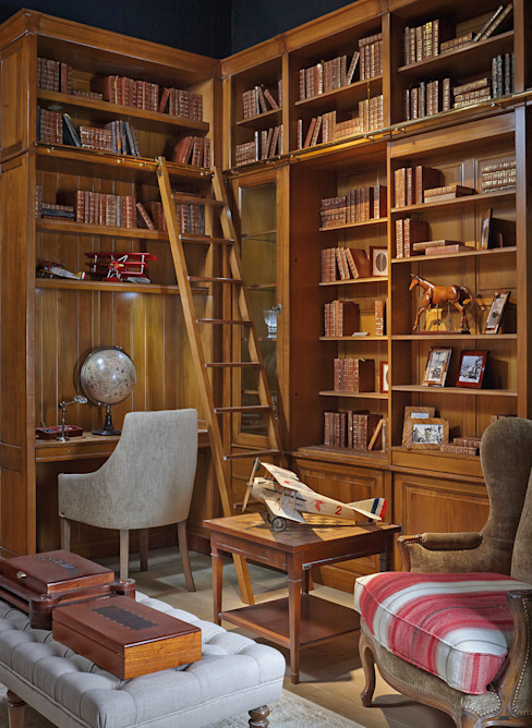 Classic style study/office by Grange México Classic