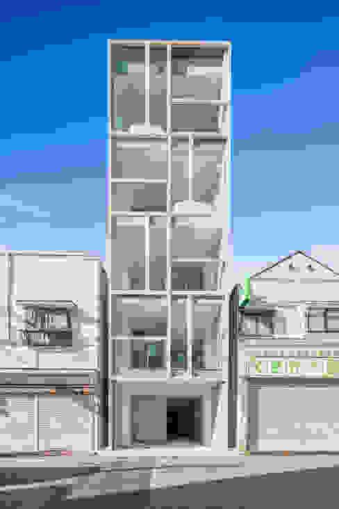 現代房屋設計點子、靈感 & 圖片 根據 ATELIER A+A 現代風
