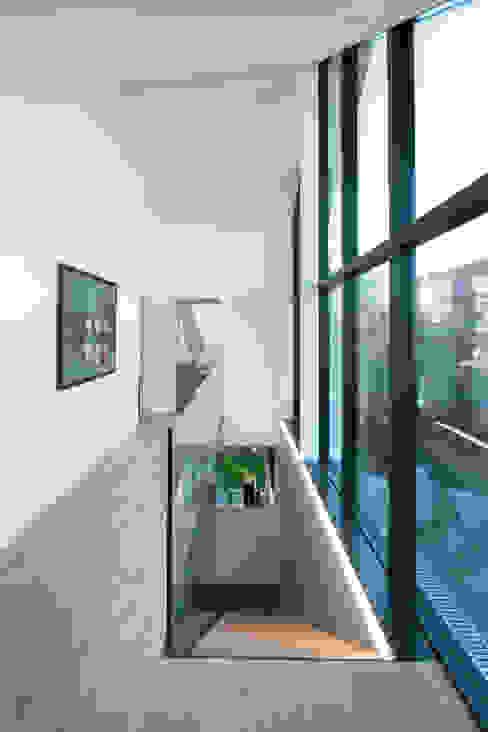 Коридор и прихожая в . Автор – von Mann Architektur GmbH