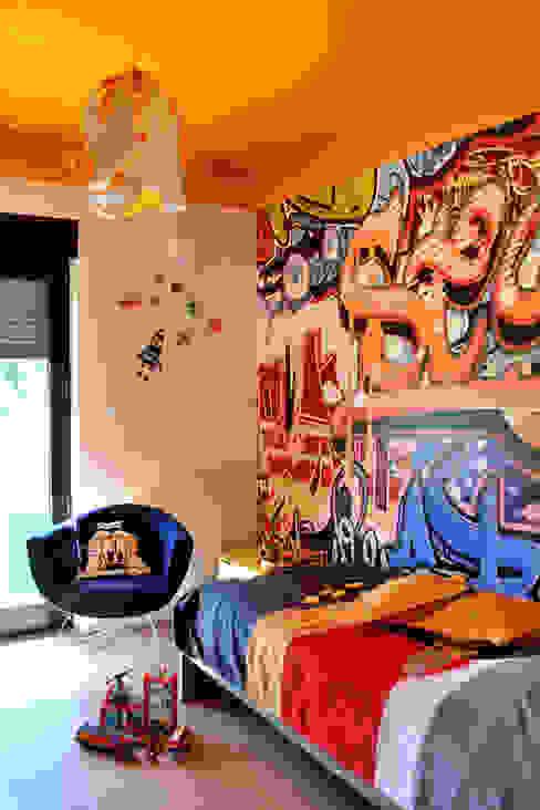 Dormitorios infantiles modernos: de homify Moderno