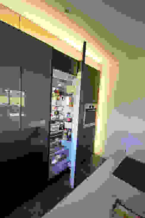 offener Kühlschrank von Gaggenau: modern  von homify,Modern