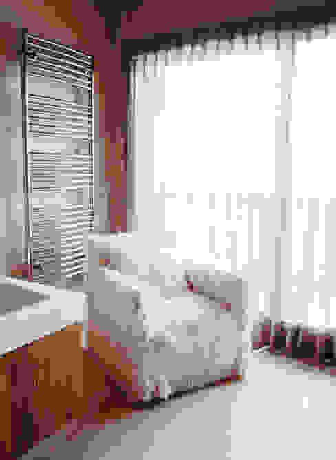 appartement à la montagne 400m2 Salle de bain moderne par Claire Dargaud - roulez jeunesse Moderne