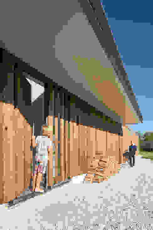Minimalistyczne domy od Équipe architectuur en urbanisme Minimalistyczny