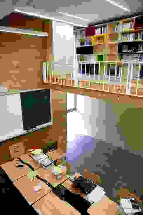 Interior: KAWA Design Group의  서재 & 사무실,모던