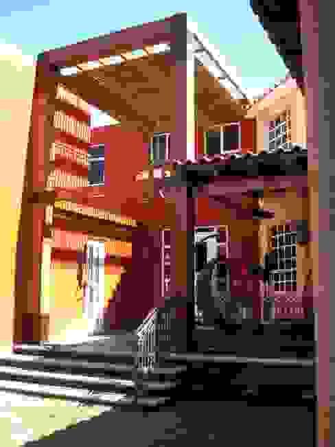 IPALMA ARQUITECTOS Balcones y terrazas de estilo ecléctico