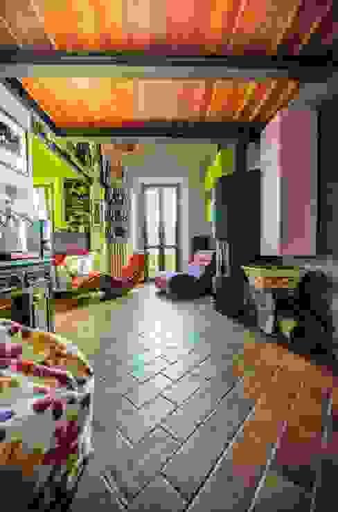 In soggiorno con brio Soggiorno eclettico di Studio Prospettiva Eclettico