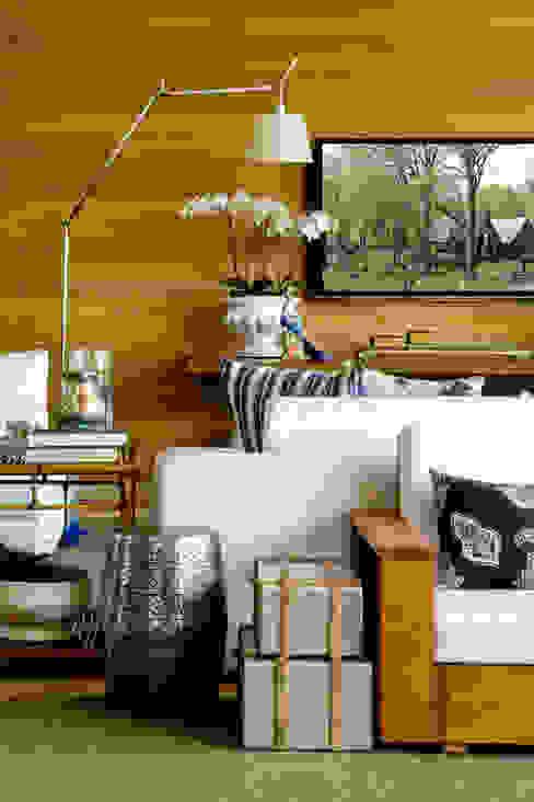 Salas de estar modernas por Ana Paula e Sanderson Arquitetura Moderno