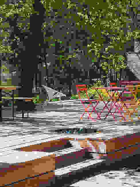 Garten Moderne Hotels von AllesWirdGut Architektur ZT GmbH Modern