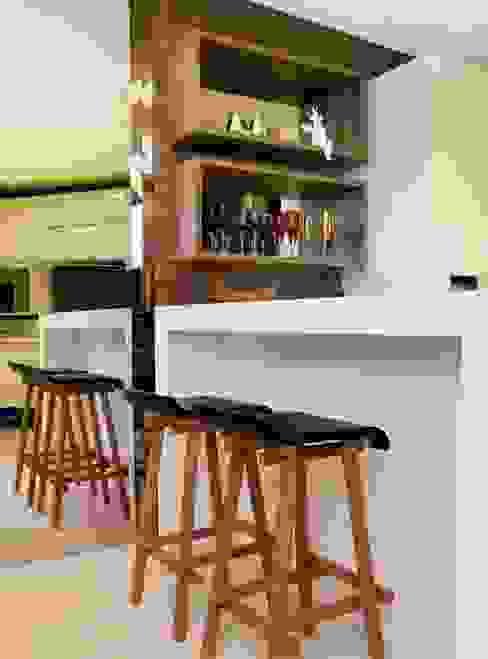 Em clima de veraneio Cozinhas rústicas por Carol Mendonça Arquitetura Rústico