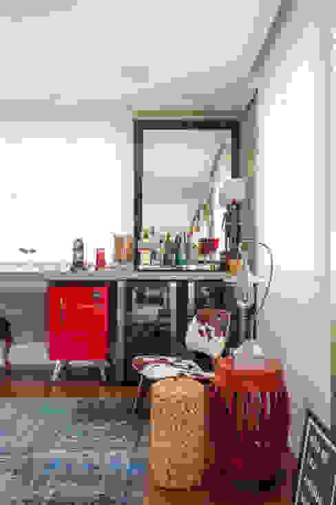 Гостиная в стиле модерн от Karen Pisacane Модерн