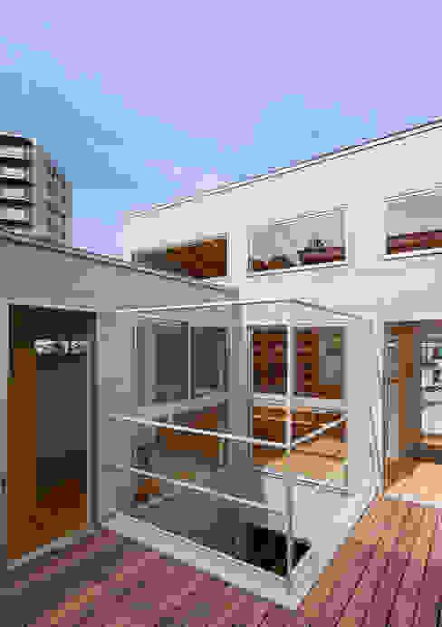 三浦の家 ミニマルデザインの テラス の 萩原健治建築研究所 ミニマル