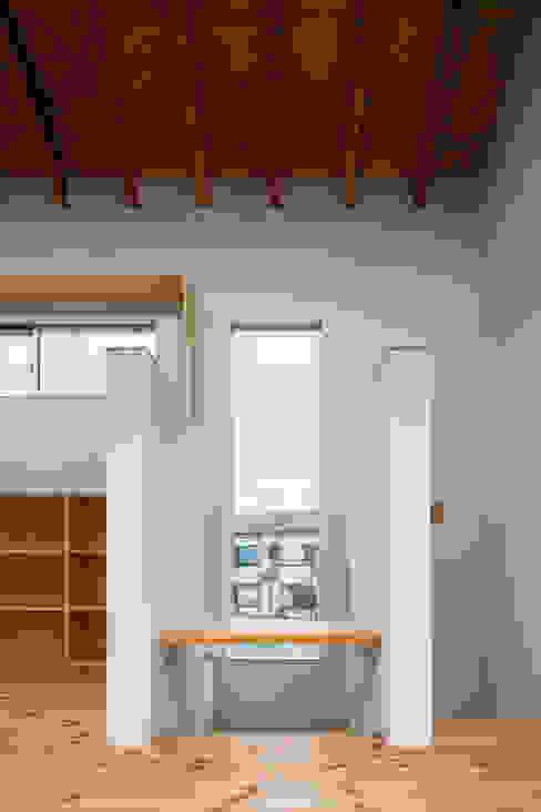 三浦の家 ミニマルデザインの 書斎 の 萩原健治建築研究所 ミニマル