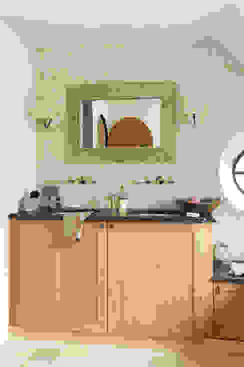 Modern landelijke badkamers:   door Taps&Baths, Landelijk