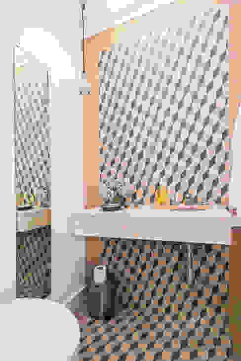 Klassische Badezimmer von shfa Klassisch
