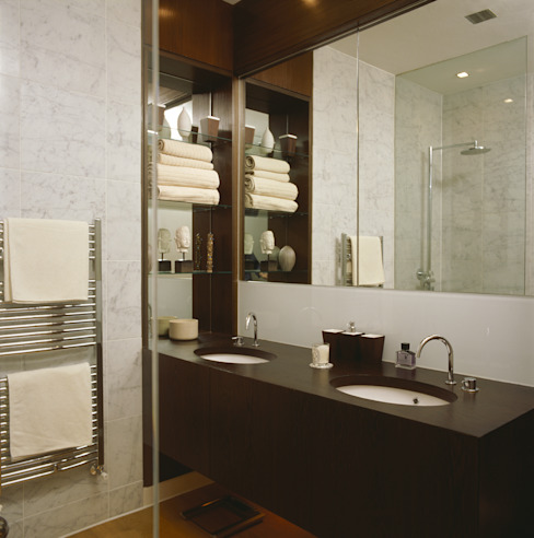 Contemporary Bathroom Baños coloniales de Space Alchemy Ltd Colonial
