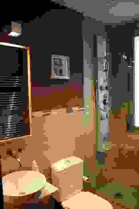 Baño 2 Estado definitivo Baños de estilo moderno de Lidera domÉstica Moderno