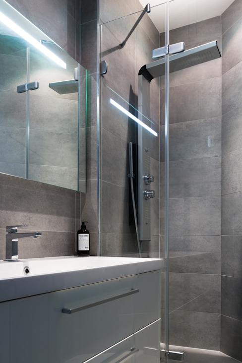 EK Architecte Modern bathroom