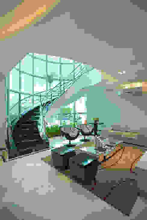 Salas modernas de Arquiteto Aquiles Nícolas Kílaris Moderno