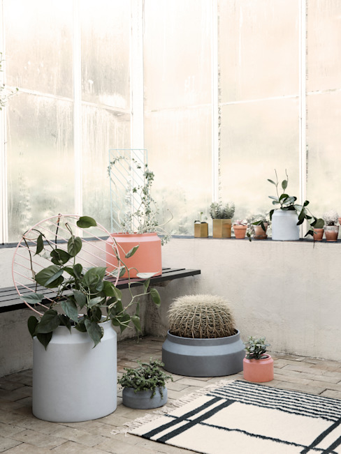 ferm LIVING Image Photos ferm LIVING Balcones, porches y terrazasPlantas y flores