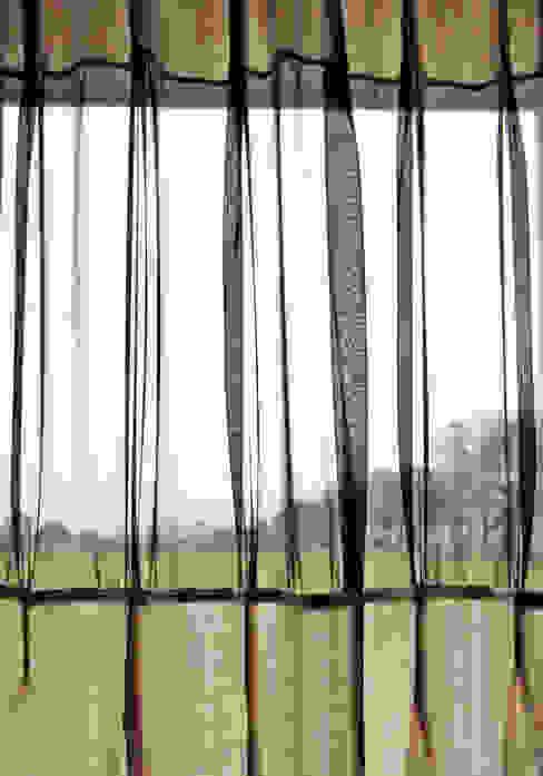 'Plooi de Plooi' gordijn by Kimik Design kimik design EetkamerAccessoires & decoratie