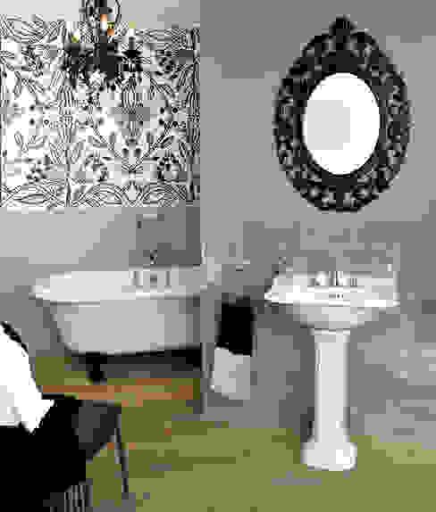 Bathroom Montmartre من HORUS كلاسيكي