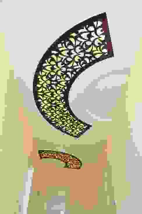 Шоколадный потолок от ООО 'Декор-завод' Классический