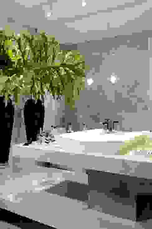 LAVABO Banheiros modernos por ROMERO DUARTE & ARQUITETOS Moderno
