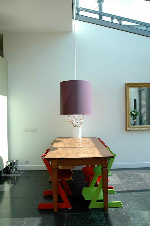Sala da pranzo moderna di TIEN+ architecten Moderno