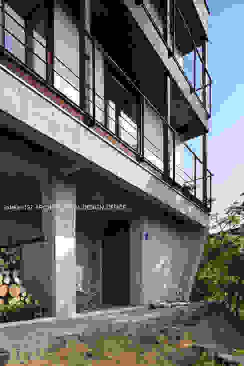 atelier137 ARCHITECTURAL DESIGN OFFICE의  주택, 모던