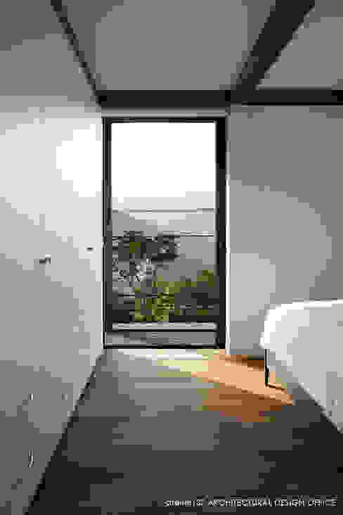atelier137 ARCHITECTURAL DESIGN OFFICE의  침실, 모던