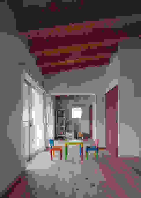 大浜の家 モダンデザインの 子供部屋 の ㈲矢田義典建築設計事務所 モダン
