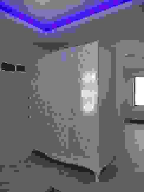 Corredor, vestíbulo e escadas  por Vizyon Mimarlık ve Dekorasyon