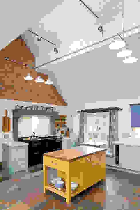 Traditional Farmhouse Kitchen Extension, Oxfordshire Landhaus Küchen von HollandGreen Landhaus