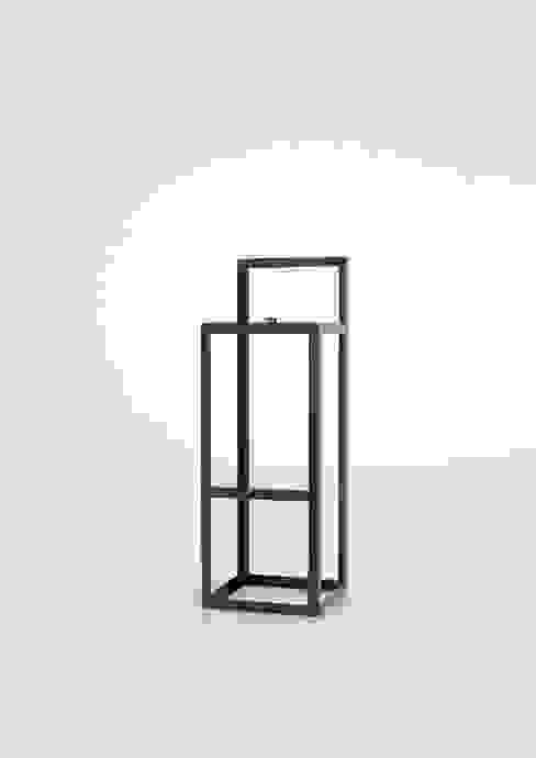 Arial Stool Black Edition di DORODESIGN Minimalista