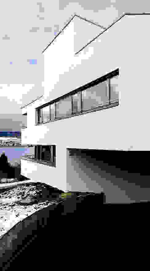 Mehrfamilienhaus 'Flair' in Herrliberg von AMZ Architekten AG sia fsai Modern