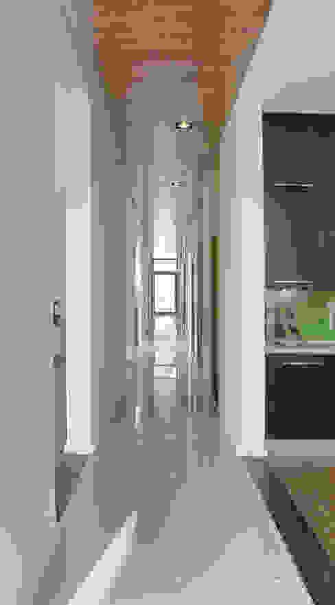 DOM NACKA Minimalistyczny korytarz, przedpokój i schody od mellon architekci Minimalistyczny