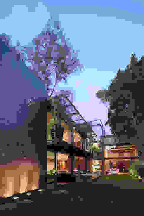 Jardines de estilo  por grupoarquitectura, Minimalista