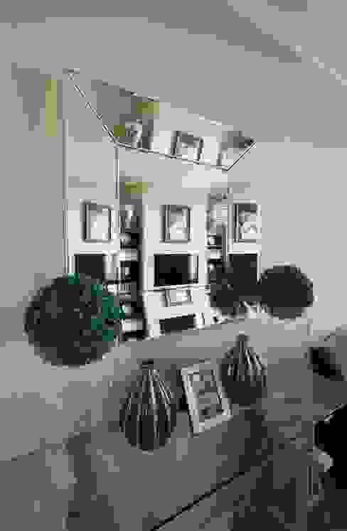 Идеальный фон (ЖК Авеню77) : Гостиная в . Автор – White & Black Design Studio,