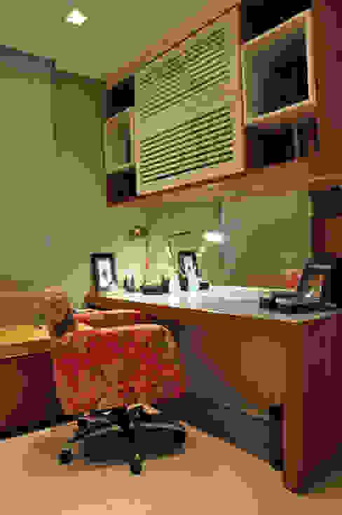 HOME OFFICE 02 Escritórios modernos por Pura!Arquitetura Moderno