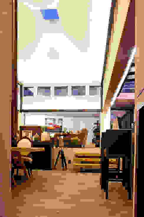 Casa GS de Iluminarq Moderno
